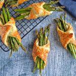 Butterdejspakker med asparges