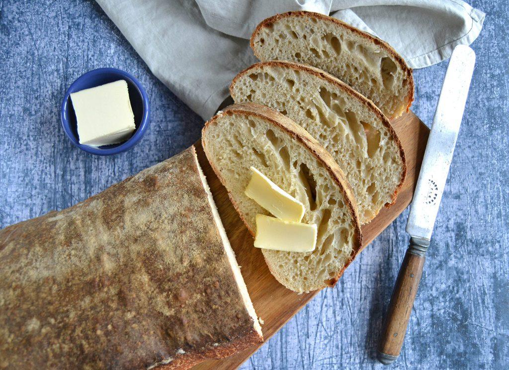 Surdejsbrød – nem opskrift på brød med surdej.