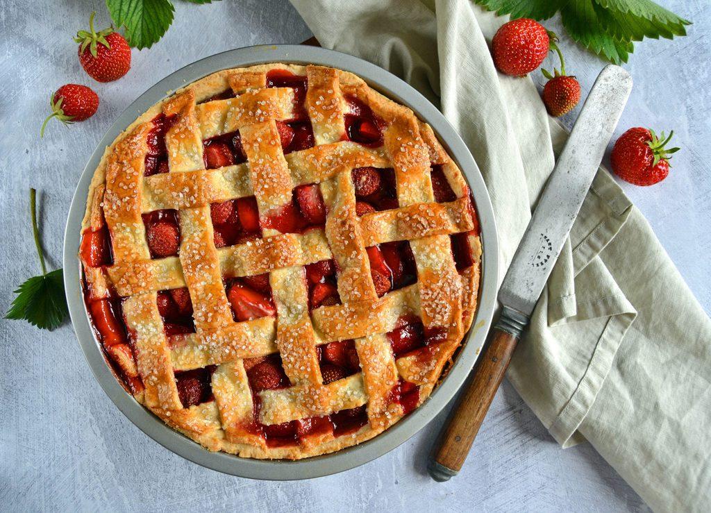 Jordbærtærte – nem opskrift på frugttærte.