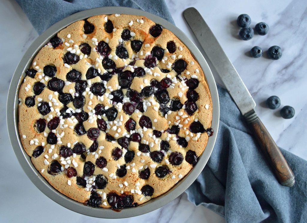 Blåbærkage – nem opskrift på kage med blåbær.