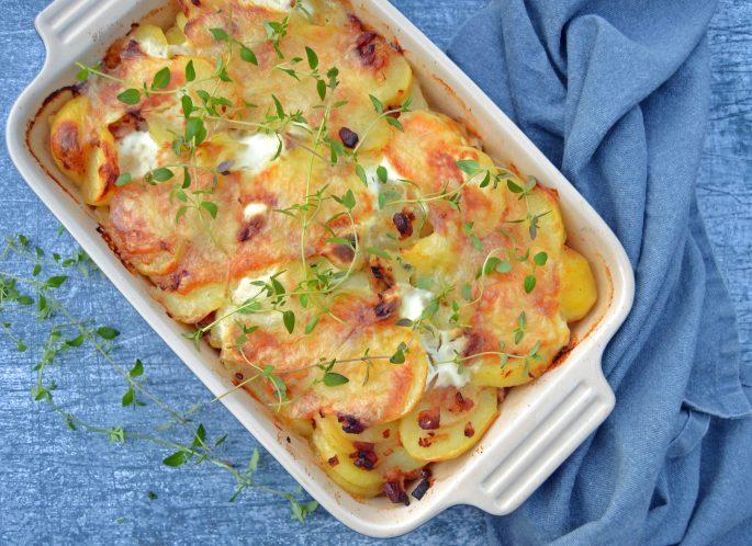 Tartiflette med kartofler, bacon, løg og ost